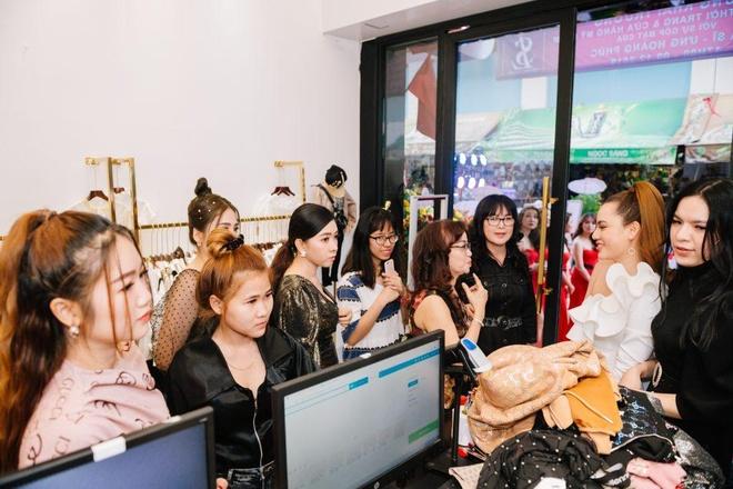 Ung Hoang Phuc du khai truong cua hang thoi trang Seven Luxury hinh anh 8