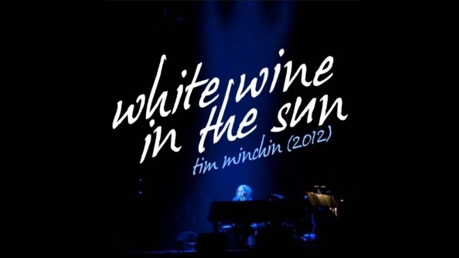 Video - Ca khuc 'White wine in the sun' hinh anh