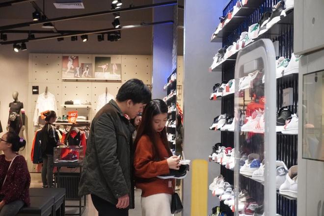 San hang hieu tu 'con mua uu dai' cua AEON Mall Ha Dong hinh anh 1 image001bn.jpg