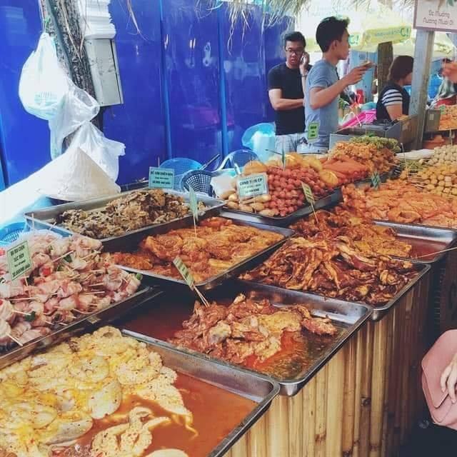Hoi cho mua sam,  am thuc hang Viet Nam - Thai Lan anh 3