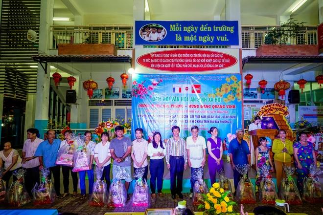 Cong ty Nhua Long Thanh trao qua Tet cho cac ho kho khan hinh anh 2 image003_11.jpg
