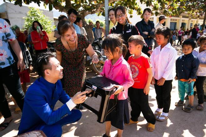 Cong ty Nhua Long Thanh trao qua Tet cho cac ho kho khan hinh anh 4 image009_4.jpg