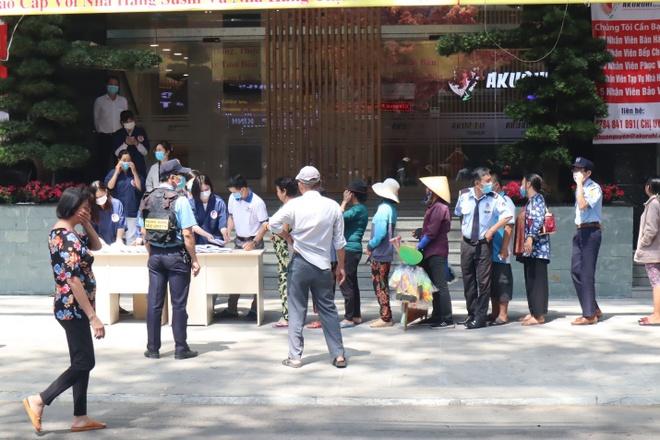 Sieu thi Nhat Ban Ichiban Market phat khau trang mien phi hinh anh 3 3.jpg