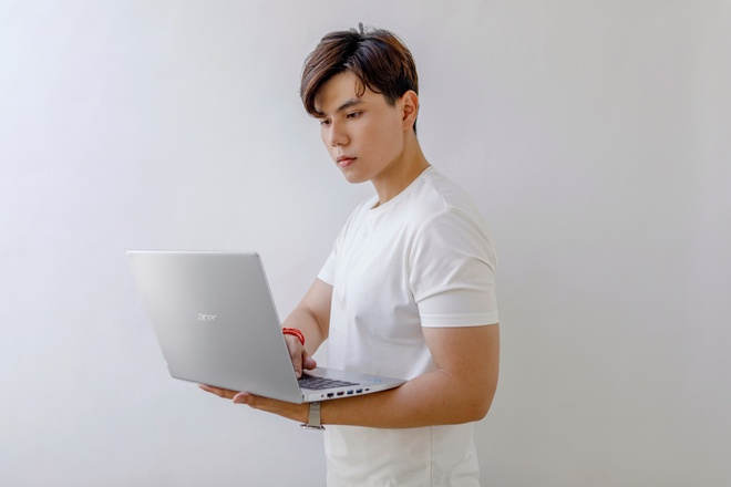 Acer ung dung ngon ngu thiet ke cao cap cho laptop tam trung Aspire 5 hinh anh 3 3S0A7394.jpg