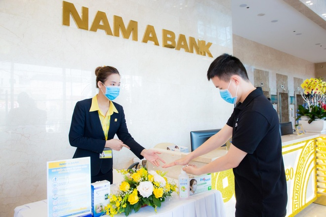 Nhan vien Nam A Bank cover vu dieu 'Ghen Co Vy' hinh anh 4 image007.jpg