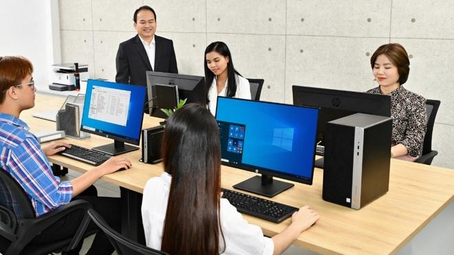 CEO BizUni: 'Thiet bi cong nghe giup tao nen san pham chin chu nhat' hinh anh 3 image005_3.jpg