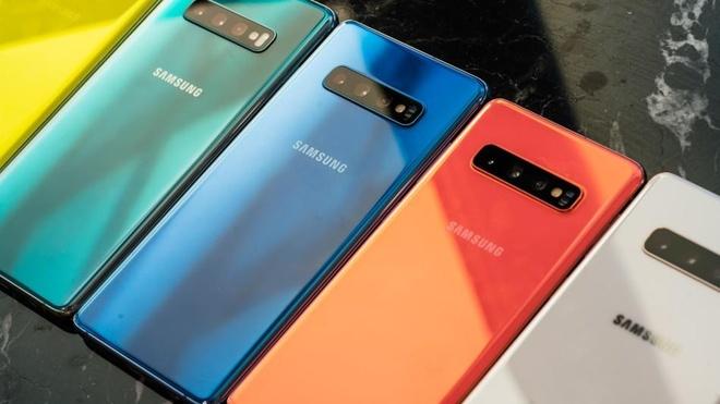 Galaxy S10+ da thau tom su hoan hao cua thap nien smartphone hinh anh