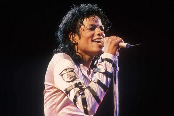 Michael Jackson dan dau bang xep hang am nhac nuoc Anh hinh anh