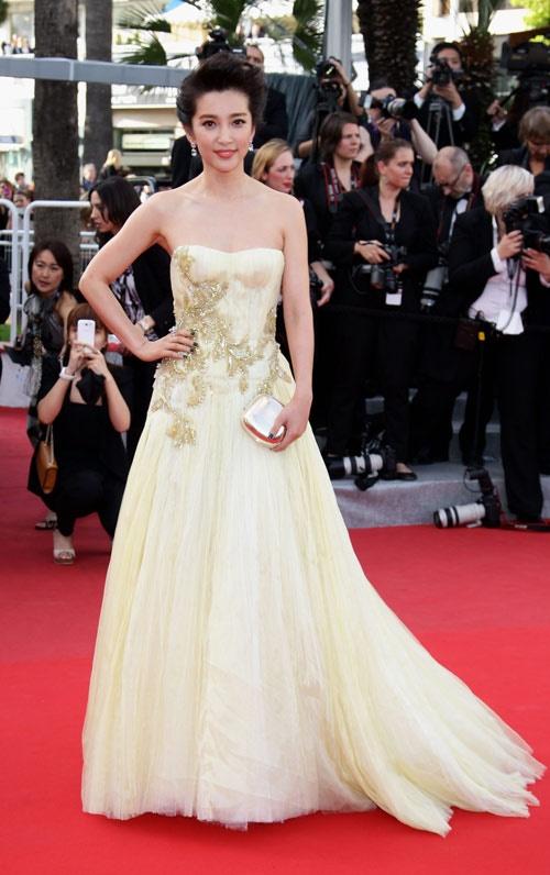 Chang duong lot xac cua my nhan Hoa tai Cannes hinh anh 8 Lý Băng Băng và Phạm Băng Băng đọ sắc trong LHP Cannes 2012.