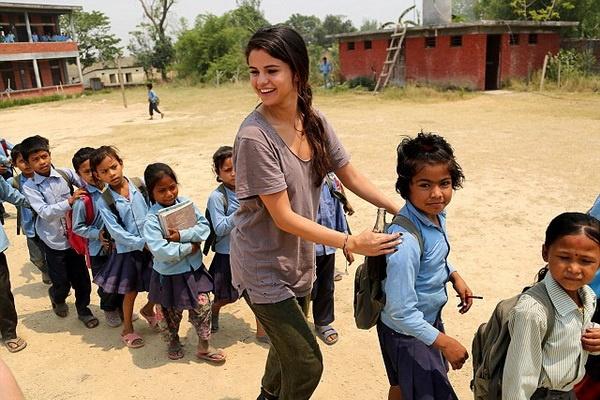 Selena Gomez quyet tam quen di tinh cu Justin Bieber hinh anh