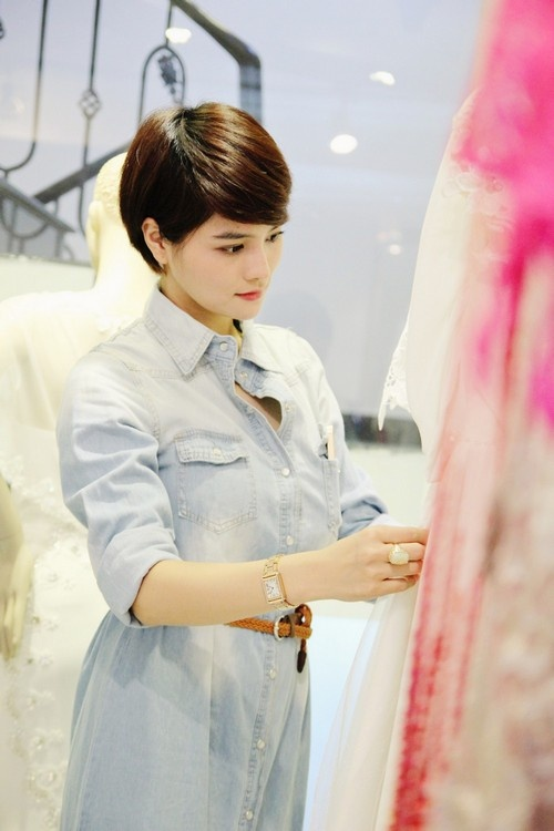 Vu Thu Phuong: 'Chong khong ep toi sinh con trai' hinh anh 1 Sau khi từ giã sân khấu, Vũ Thu Phương tập trung vào công việc thiết kế.
