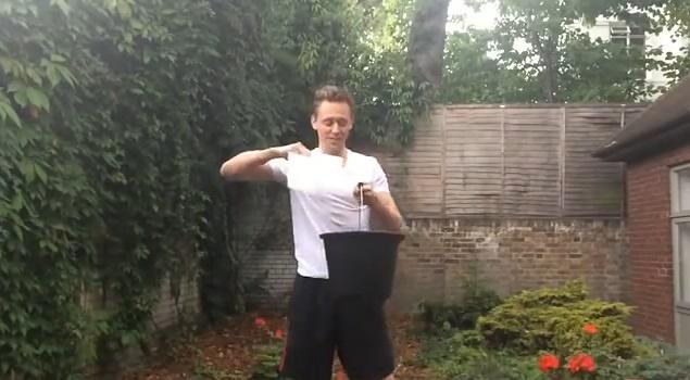 'Loki dien trai' Tom Hiddleston huong ung Ice Bucket Challenge hinh anh