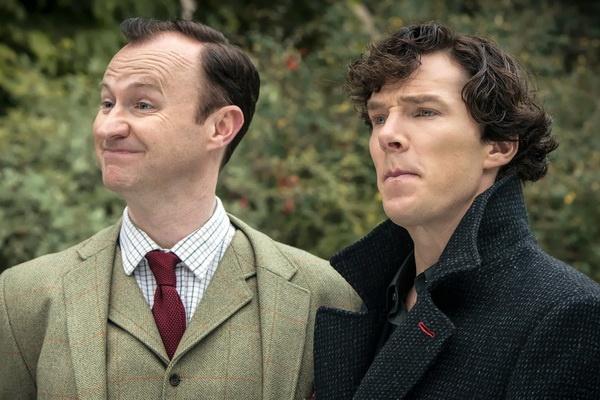Truyen thong Anh dua 'Sherlock' len may sau Emmy 2014 hinh anh