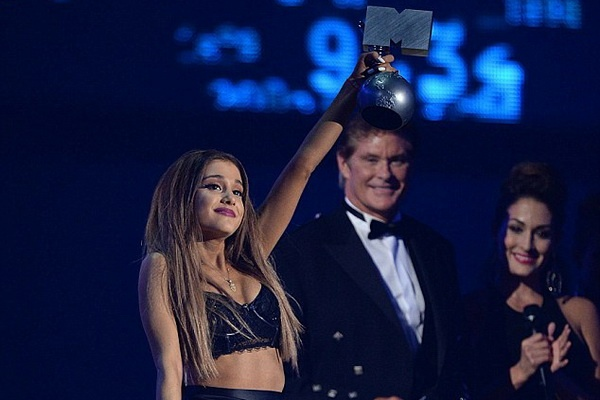 MTV EMA 2014: Thieu bat ngo va dot pha hinh anh