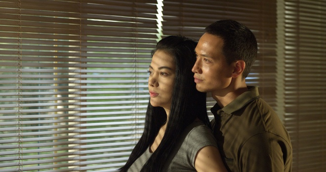 Kim Ly tra loi ve nghi van tung lam trai nhay trong bar hinh anh 1 Dẫu Hương Ga thành công tại phòng vé, nhưng trên vai trò nhà sản xuất, Kim Lý vẫn còn nhiều tiếc nuối với bộ phim này.