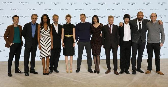 'Qua bom sex' Monica Belluci hon 50 tuoi van lam Bond girl hinh anh 1