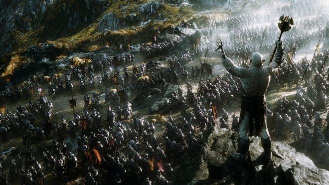 Ngay sau khi rồng Smaug bị tiêu diệt, vùng đất Erebor và ngọn Cô Sơn đứng  trước sự tranh giành của nhiều tộc người khác nhau, dẫn đến sự xung đột  trong ...