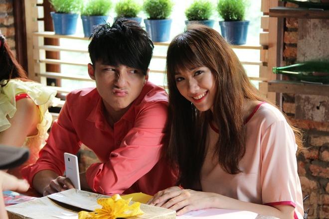 Son Tung khong phan biet duoc Hari Won va ban gai trong phim hinh anh 1