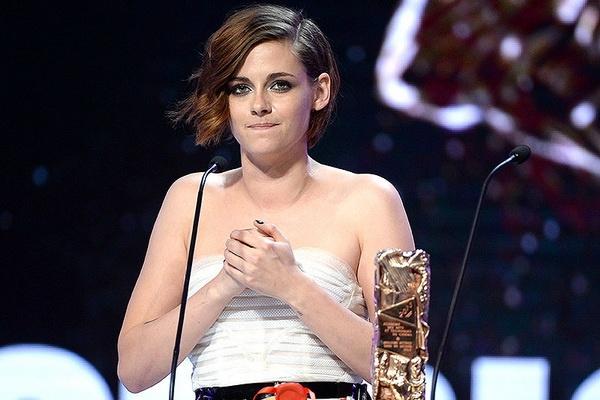 Kristen Stewart lam nen lich su tai 'Oscar nuoc Phap' hinh anh
