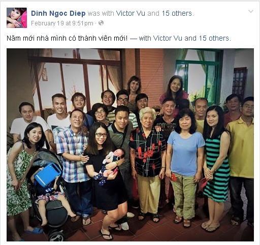 Bang chung Victor Vu va Dinh Ngoc Diep dang hen ho hinh anh 4 Đinh Ngọc Diệp khoe tấm ảnh chụp cả gia đình trong đó có sự góp mặt của Victor Vũ kèm lời ghi chú đầy ẩn ý.
