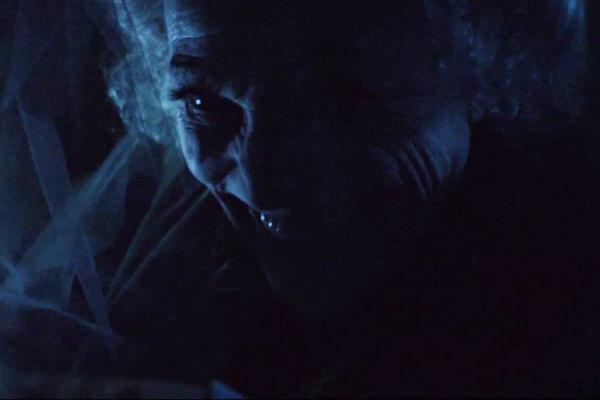 Trailer bo phim 'Insidious: Chapter 3' hinh anh