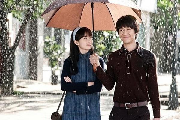 Jung Woo hoa trai que, khoe giong hat trong 'C'est Si Bon' hinh anh