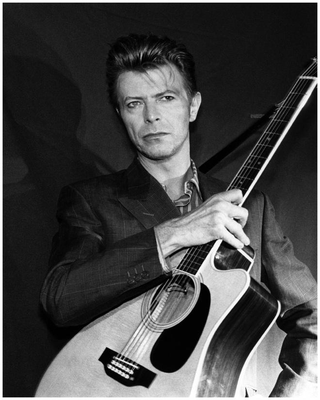 Rocker huyen thoai tu choi tuoc hieu Hiep si hinh anh 1 David Bowie không quan tâm đến tước hiệu Hiệp sĩ của Hoàng gia nước Anh.