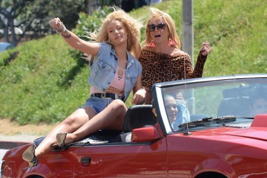 Iggy Azalea khong dam khoe vu dao ben Britney Spears hinh anh
