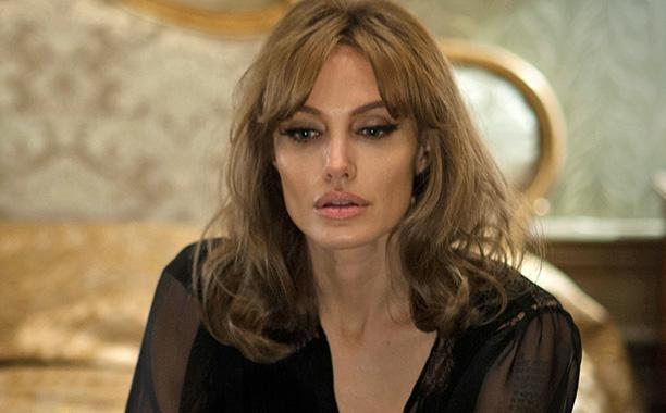 Phim moi cua Angelina Jolie va Brad Pitt an dinh ngay ra mat hinh anh