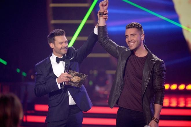 Thi sinh lon tuoi nhat dang quang American Idol 2015 hinh anh