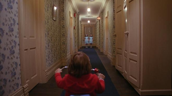 9 ngoi nha ma am rung ron tren man anh rong hinh anh 1 The Shining được đánh giá là một trong những phim kinh dị hay nhất mọi thời đại.