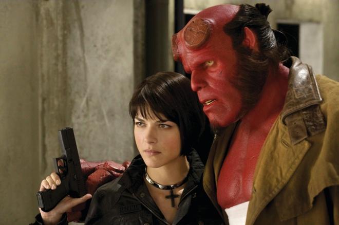 Sao keu goi nguoi ham mo ung ho 'Hellboy 3' hinh anh
