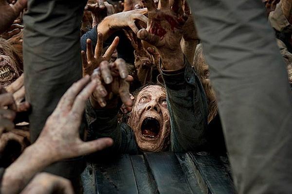 Xac song ngay cang kinh di hon trong 'The Walking Dead' hinh anh