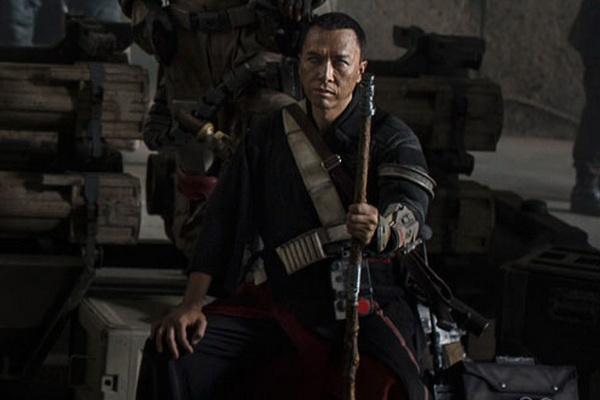 Chan Tu Dan vao vai nguoi mu trong phim 'Star Wars' moi hinh anh