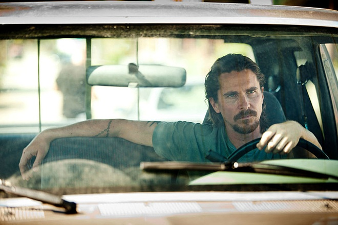 Christian Bale hoa than thanh huyen thoai Enzo Ferrari hinh anh