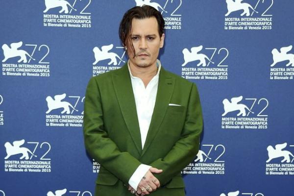 Johnny Depp mac vua dep vua xau tai LHP Venice hinh anh