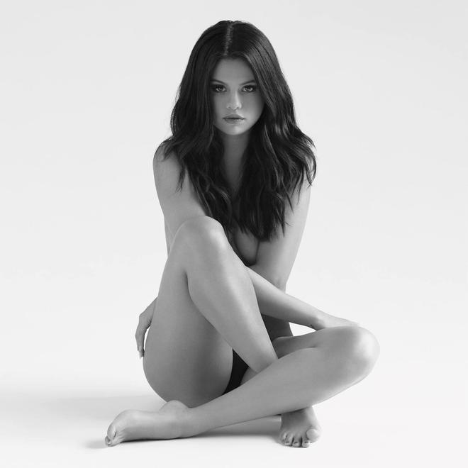 Revival giúp Selena Gomez có lần thứ hai lên ngôi đầu của bảng xếp hạng Billboard 200.