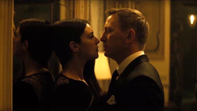 Phim 007 moi bi chi trich vi qua bom sex Monica Bellucci hinh anh 2