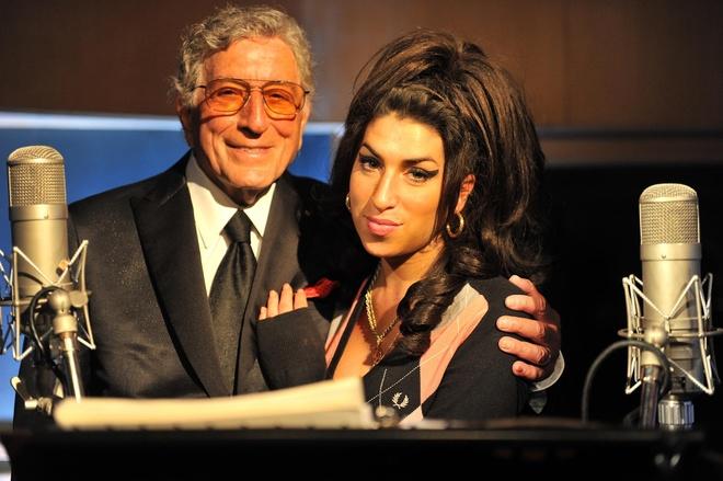 Tony Bennett & Amy Winehouse - 'Body and Soul' hinh anh