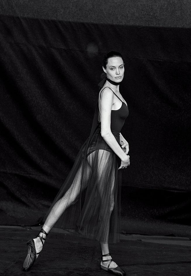 Angelina Jolie vi dong phim voi Brad Pitt nhu... dam boc hinh anh 2