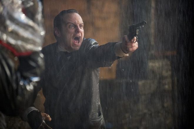 Phim quai vat 'Victor Frankenstein': Binh moi, ruou cu hinh anh 3 Các tuyến nhân vật phụ chưa tạo ra được sức nặng cho bộ phim.