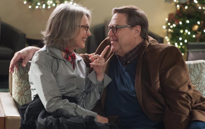 'Love the Coopers': Khi Giang sinh mang mau noi buon hinh anh 3 Hình 4: Cặp đôi đẹp và để lại nhiều cảm xúc nhất phim.