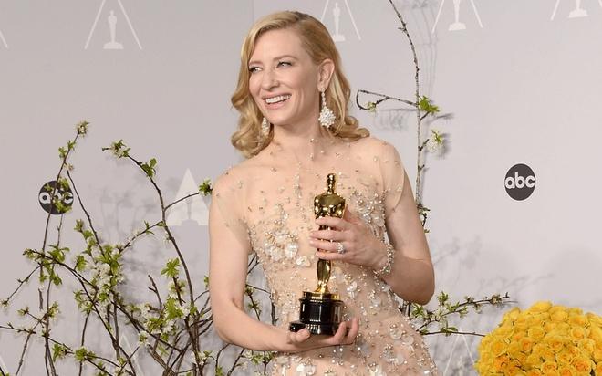 Cate Blanchett sap tham gia bom tan 'Thor 3' hinh anh 1
