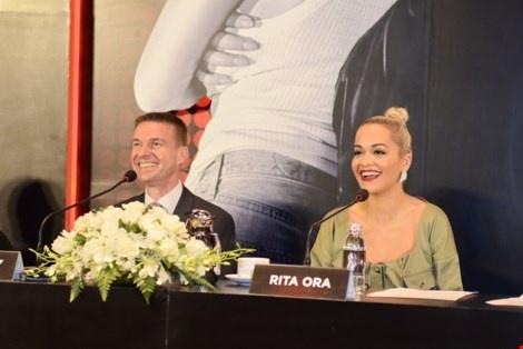 Rita Ora: 'Dieu quan trong la phai biet cong chung muon gi' hinh anh