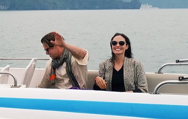 Angelina Jolie - Brad Pitt tham vinh Ha Long bang tau 5 sao hinh anh