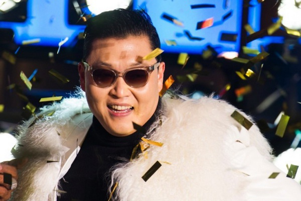 Psy lam khach moi trong 'Than bai Macau 3' hinh anh
