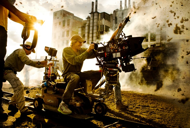 Michael Bay tiep tuc lam dao dien 'Transformers 5' hinh anh