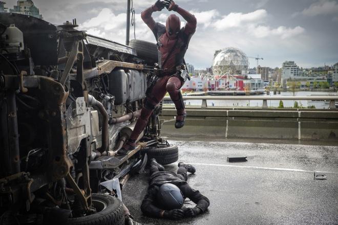 Deadpool co the co… ban trai trong phan hai hinh anh 1