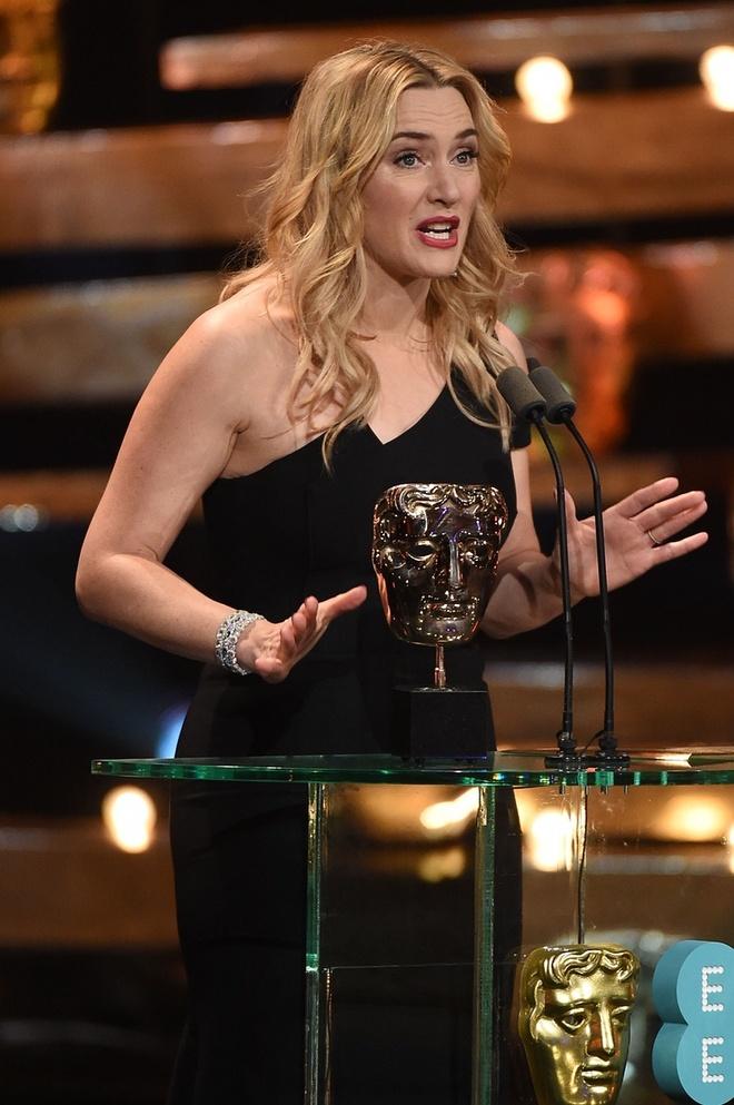 Leonardo DiCaprio lan dau nhan giai 'Oscar nuoc Anh' hinh anh 4