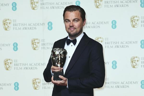 Leonardo DiCaprio lan dau nhan giai 'Oscar nuoc Anh' hinh anh
